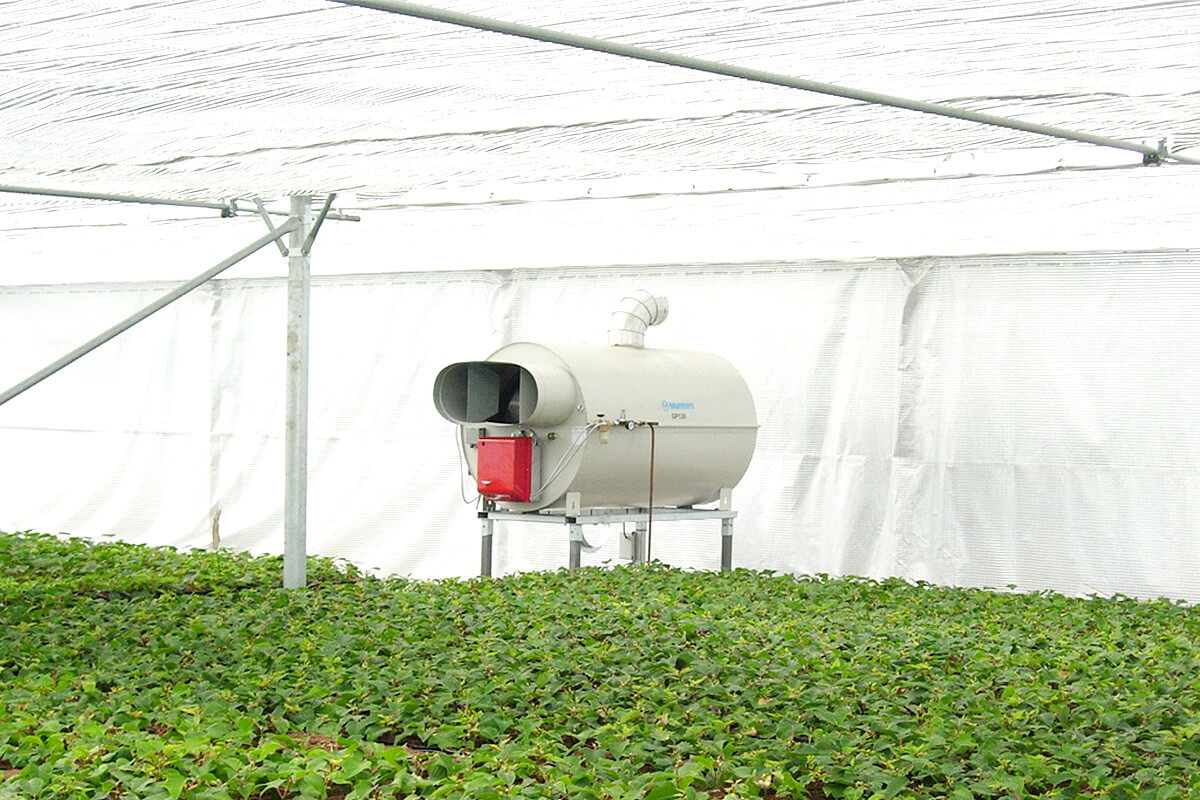 Hot air heating for greenhouses